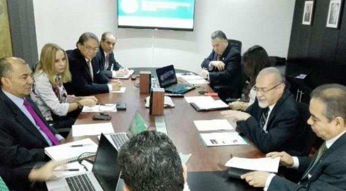 Cavecol se reune con embajador de Colombia